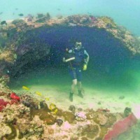 Underwater rockshelter, Qumah (J. Satchell: 2009)